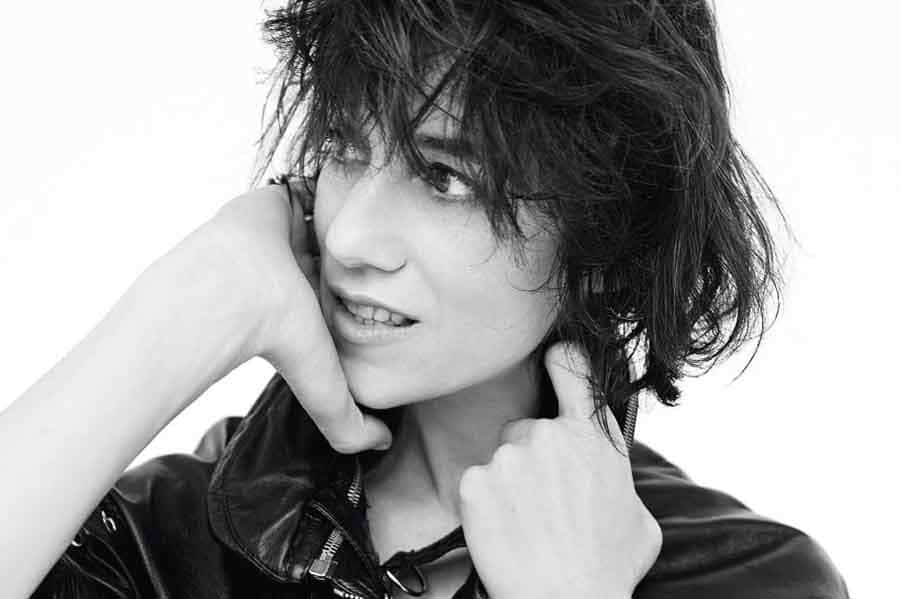 Charlotte Gainsbourg nue