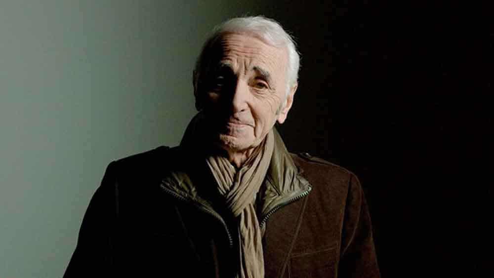 charles aznavour épouses